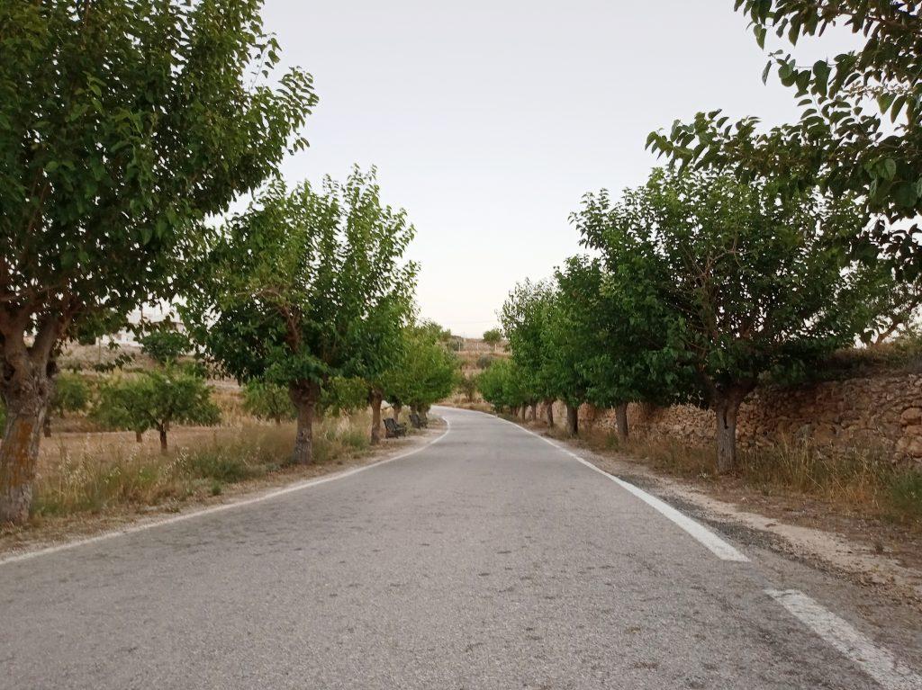 Vía que une los dos barrios de Raspay